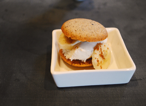 Banana-ice-cream-sandwich2