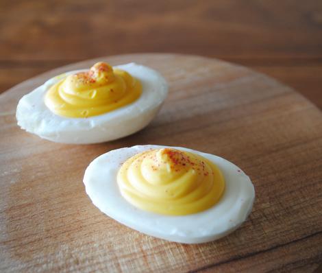 Chocolate-deviled-egg