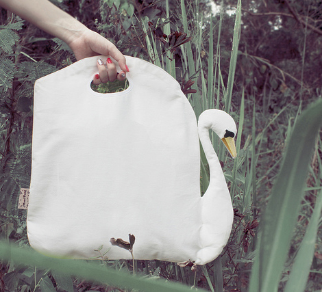 Mimi-pong-birds-feather-bag-1