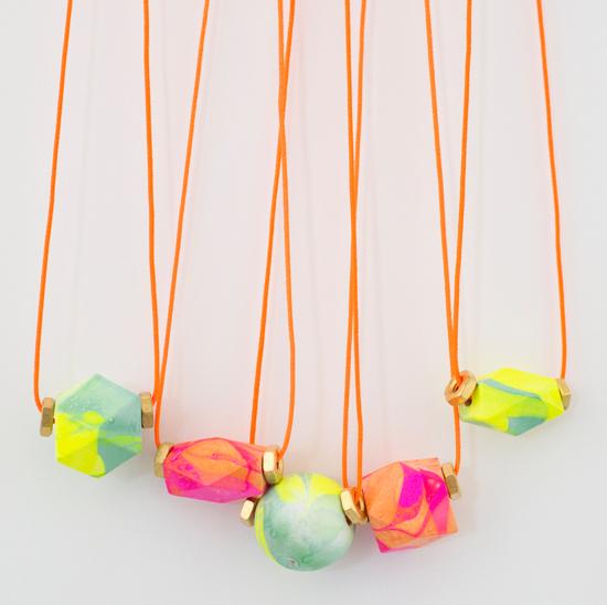 Marbled Necklace DIY