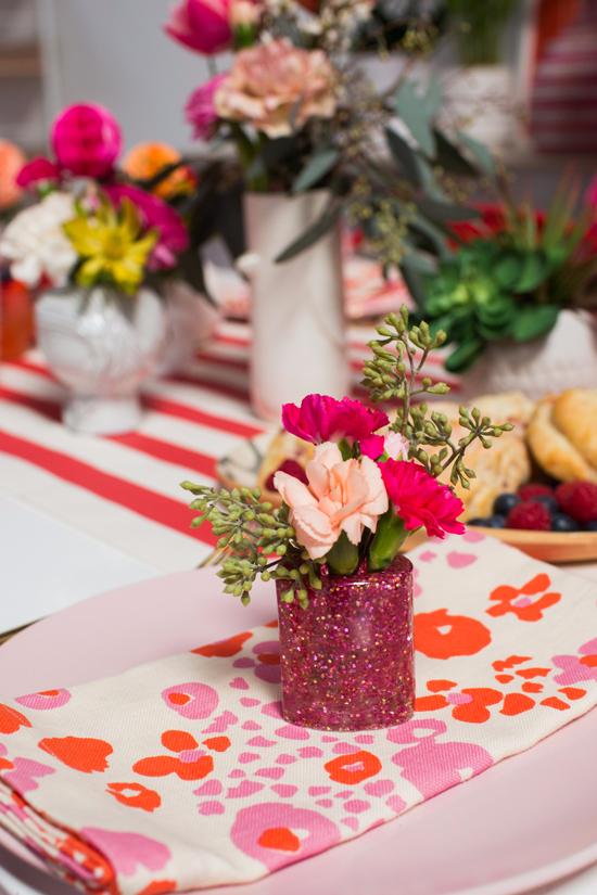 glitter heart bud vase DIY
