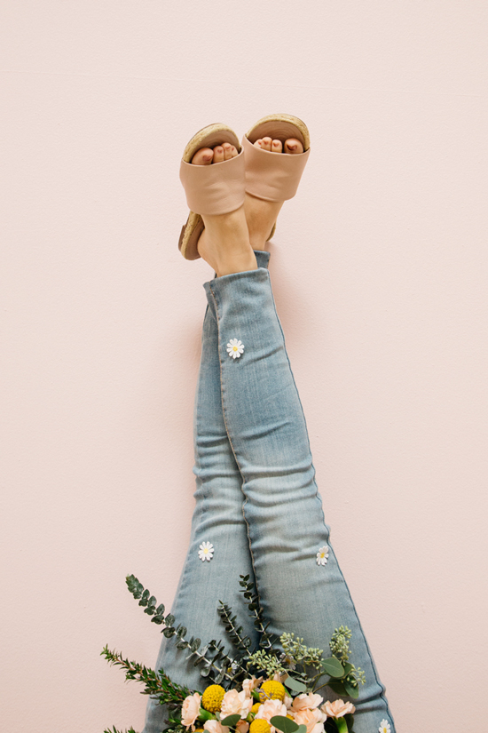 weekend project: daisy patch jeans!