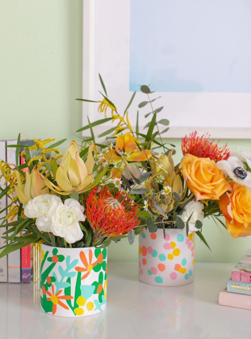 A Vinyl Decal Vase DIY… / via Oh Joy!