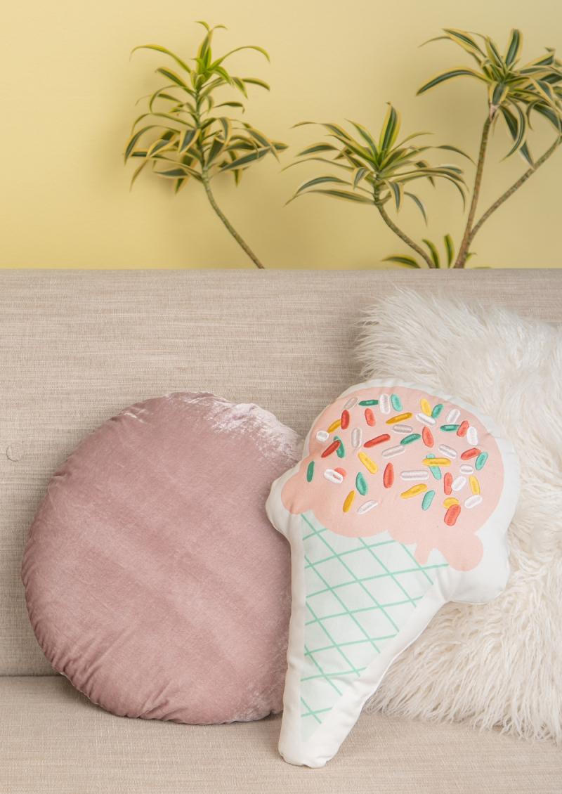 Styling Pillows 101... / via Oh Joy!